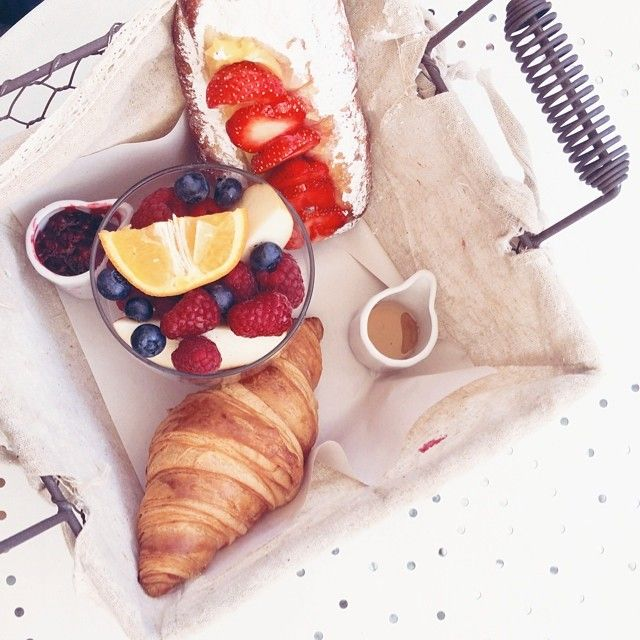 breakfast, french food, croissants, fruits, strawberries