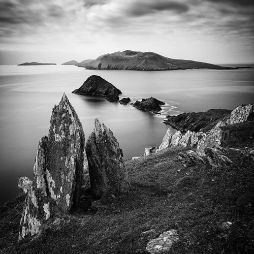 At this years International Black and White Spider Awards @steve_gosling achieved six nominations and one Honourable Mention in three different categories (Architecture Fine Art and Nature) for his breathtaking pictures. Four of Steves pictures were shot with Phase One equipment. This is Dragons Teeth (Dunmore Head Ireland). Taken at a beautiful spot on the west coast of Ireland looking out towards the Great Blasket Islands. It took me some time to refine the composition to my satisfaction…