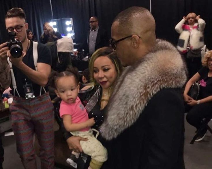 T.I. Harris Joins Wife Tiny On Stage And Slaps Her Booty During The Great Xscape Tour #TI, #TamekaCottle, #Tiny celebrityinsider.org #Entertainment #celebrityinsider #celebrities #celebrity #celebritynews