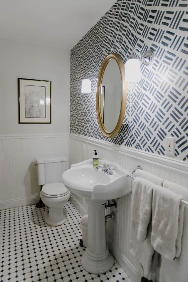 Outstanding Bathroom Vanity Lights Mounted On Mirror That Will