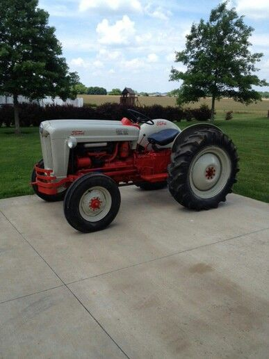 Ford 600 Tractor Farm : Ford tractor pinterest