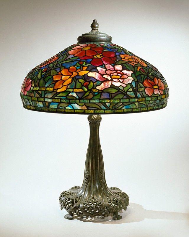 Tiffany Studios. Peony library lamp. C. 1906. Leaded glass, bronze. Chrysler Museum of Art - Norfolk - USA