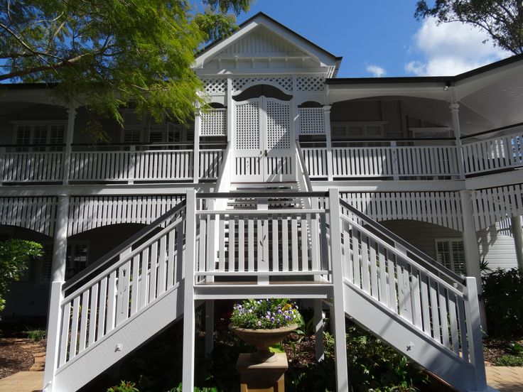 White Queenslander renovation in Brisbane