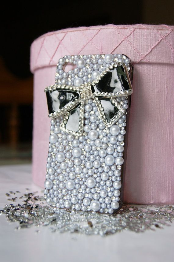 ❤ this bling iphone case...maybe i should get an iphone, just for this case...ha!