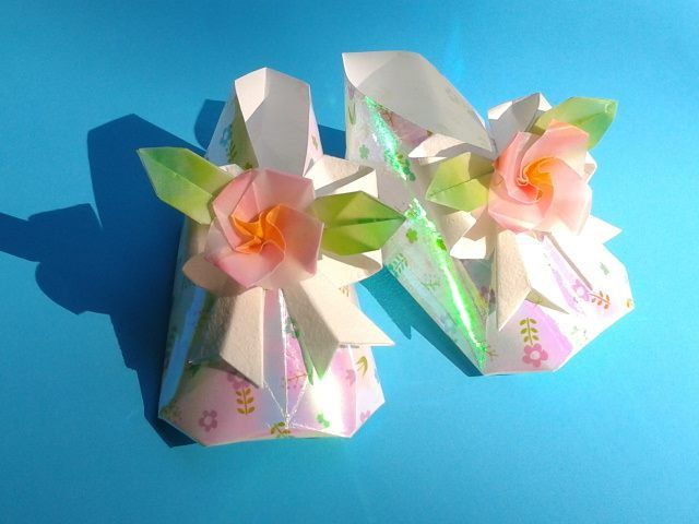 Origami  baby   shoes  folded  by   me .  Design   by   Tomoko  Fuse.