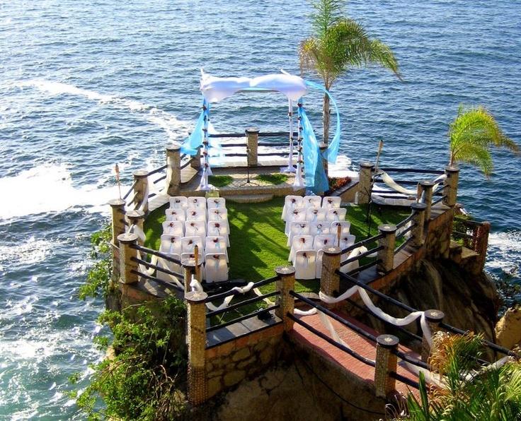 LeKliff In Puerto Vallarta Provides A One Of Kind Wedding Setting