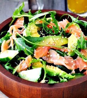 Salade voor naar het werk – rucola, zalm en geitenkaas