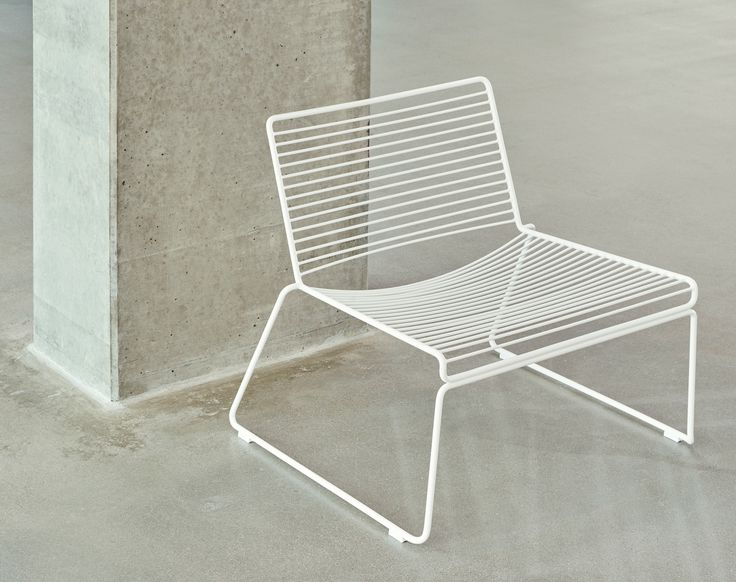 Hee lounge chair.