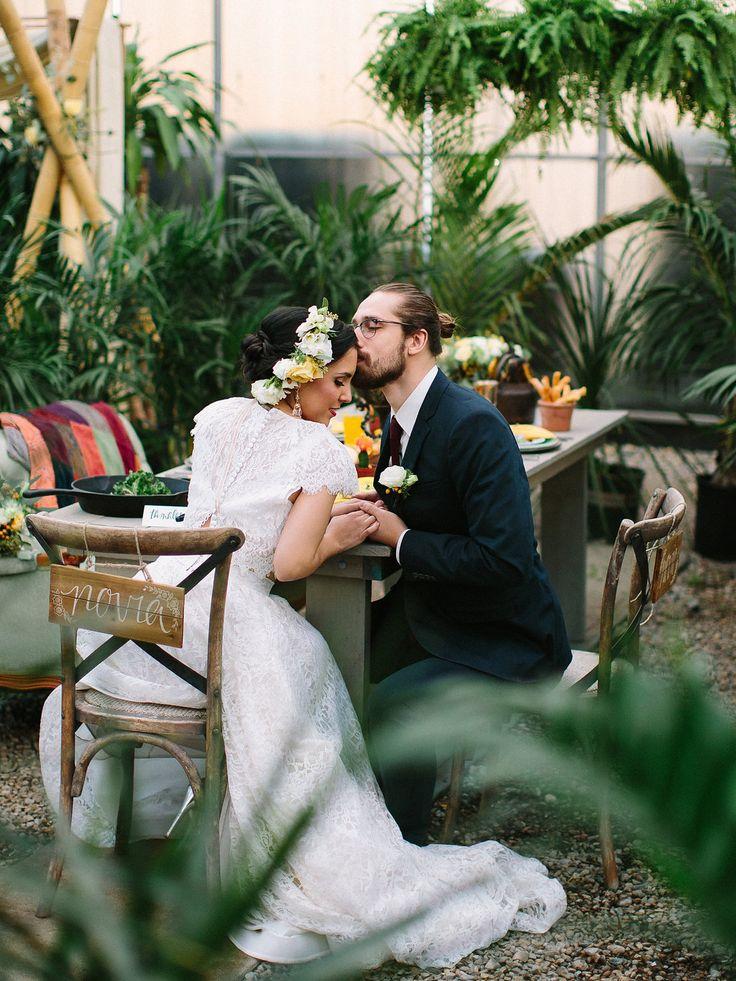 Photographers: Angie Rodriguez - The Jar Photography - @thejarphotography Second Shooter: Jenny Hayles - Ginger Snap Photography @ginger_snap_photo Styling & Rentals: Heather McCormick - RUS Vintage - @Rūs Vintage Stationary: Sancia Toth - Bud + Dot