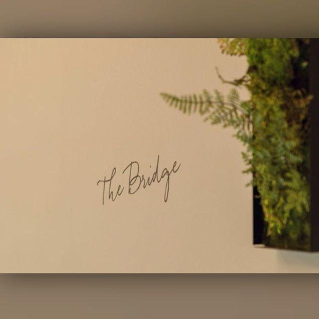 :  こんにちは。  ・  The BridgeはGWも休まず営業します!!  ・  昨晩も遅い時間から多数のお客様にご来店頂き大変盛り上がりました🍻  ・  本日も17:00からオープンです!!  ・  皆様のご来店お待ちしております🎵  ⁑    #gw #thebridge #bridge #bar #lounge #kuramae #asakusabashi #asakusa #tokyo #ny #nyc #beer #craftbeer #brooklynlager #wine #sake #蔵前 #浅草橋 #浅草 #スタンディングバー #立ち飲み #クラフトビール #ブルックリンラガー #ワイン #日本酒