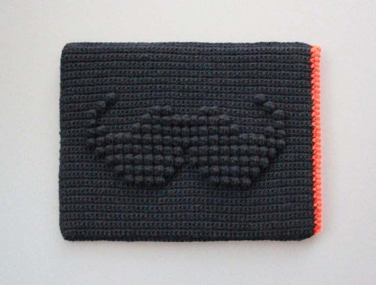 LUTTER IDYL: Crochet iPad Sleeve with Moustache