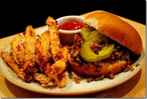 Maid-Rites aka Midwestern loose meat sandwiches! | iowagirleats.com