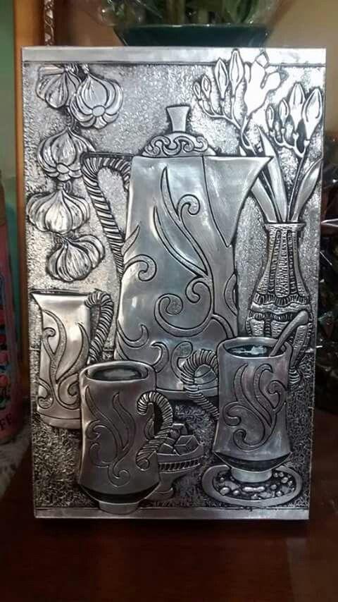 Bodegón repujado en aluminio