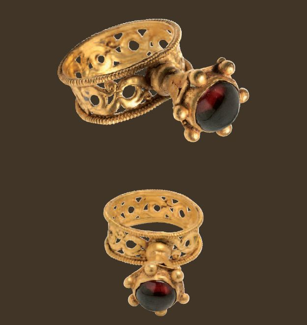 Gold Ring with Openwork Hoop  Byzantine, 6th-7th century