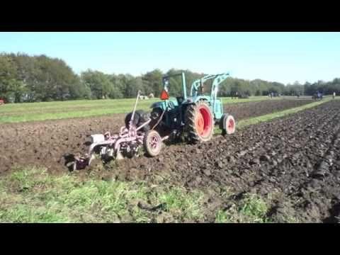 Bij de Boer - Sesamstraat liedje - YouTube