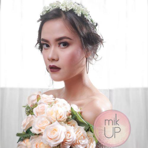 Foto rias rambut & makeup pernikahan oleh mikUP