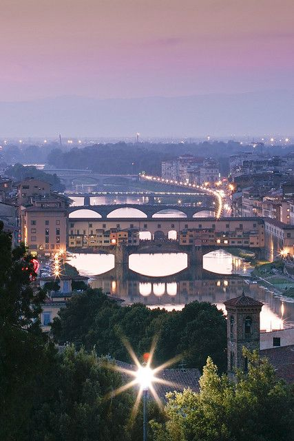Firenze...I walked over that middle bridge!