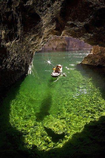 Lake Powell, Arizona ... I wanna go!