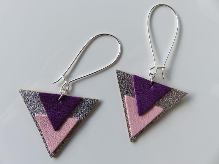 Boucles d'oreilles triangulaires en cuir, argenté/violet/rose pâle : Boucles d'oreille par envies-et-fantaisies