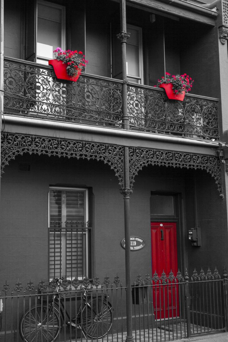 I drive past this Terrace house at least once per week and always wanted to stop and snap it, Done ;-)