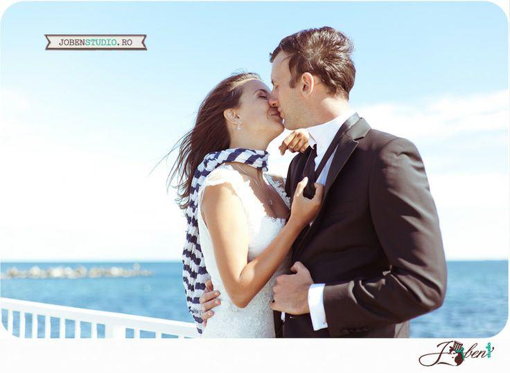 Am plutit deasupra marii cu Oana si Razvan. Sedinta foto dupa nunta in Constanta. | Joben Studio-Fotoreportaj de nunta. Povesti intense cu 1 dram de magie  © www.jobenstudio.ro