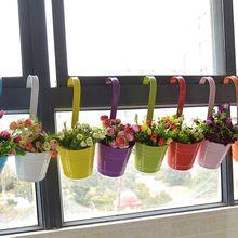 Único Pendurado Vaso de Flor de Ferro Forjado Varanda Potes Plantadores de Parede Pendurado Balde Barril Flor Pastoral Titular Fontes Do Jardim(China)