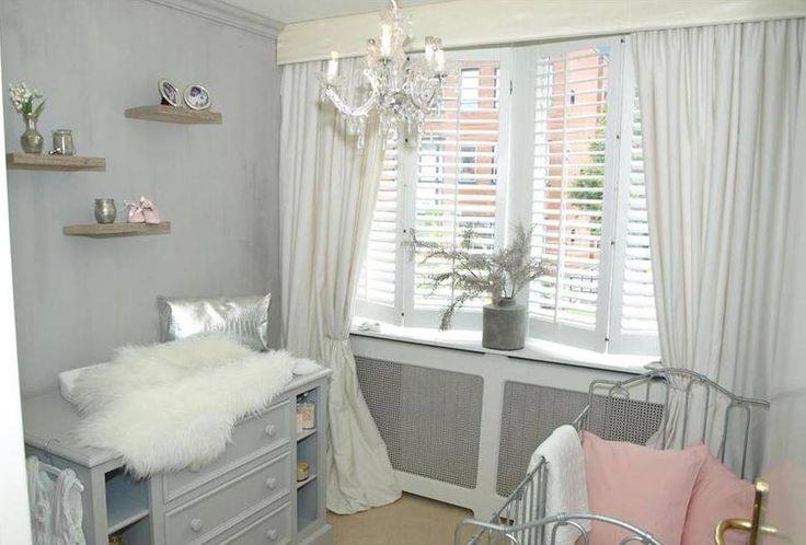 Fluweel zacht, lief, stoer en ook nog eens uniek! #babykamer - #kalkverf - www.kleurhuys.nl
