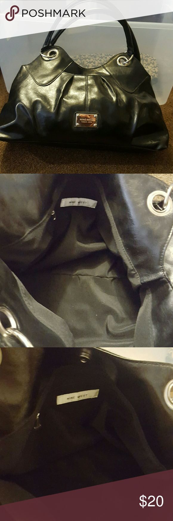 NWT black nine west purse great NWT black nine west bag!!! non smoking pet free home !!!  all reasonable offers requested!!! Nine West Bags Shoulder Bags