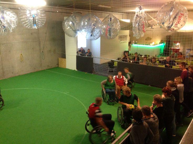 Kørestolsrugby i funhall Viborg