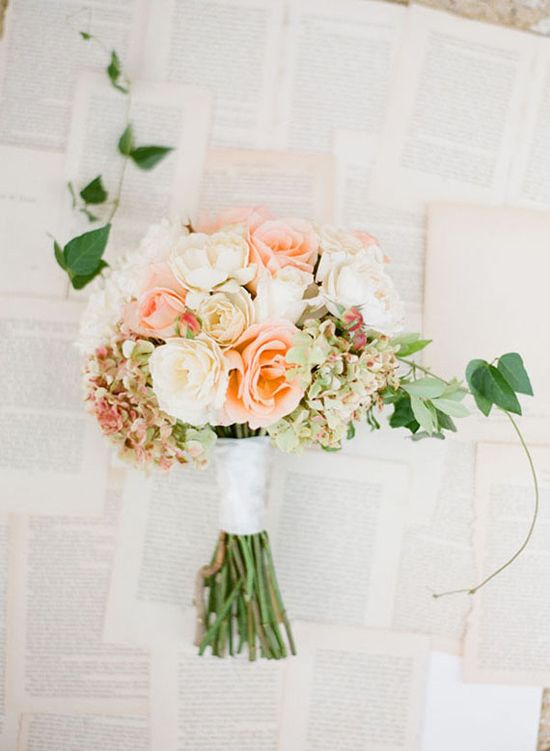 With Summer almost upon us, here are some Summer wedding ceremony ideas for styling your ceremony venue