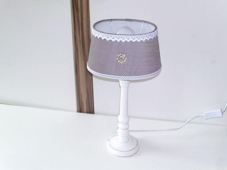 25 best ideas about lampe de chevet blanche on pinterest for Lampe de chevet grise