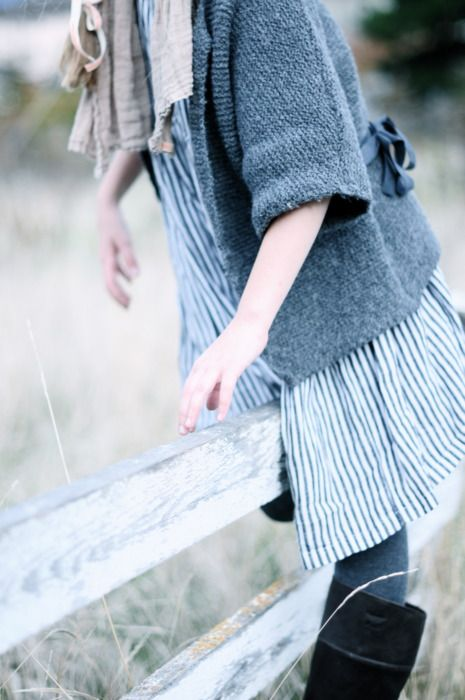 Boho farm chic: British Country, Fence, Casual Style, Blue, Country Style, Outfit, Fashion Fit, Sleeve Length, Farms Chic