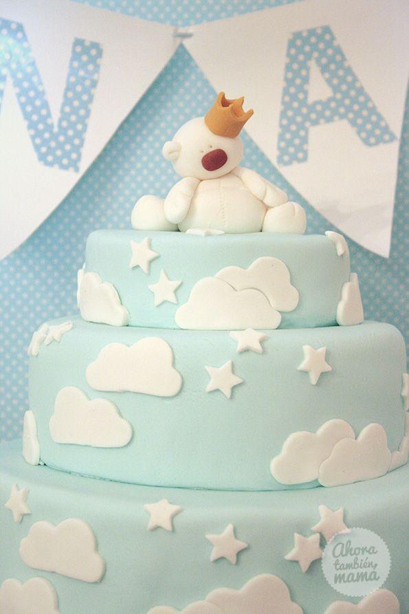 Tarta de estrellas, nubes y osito príncipe