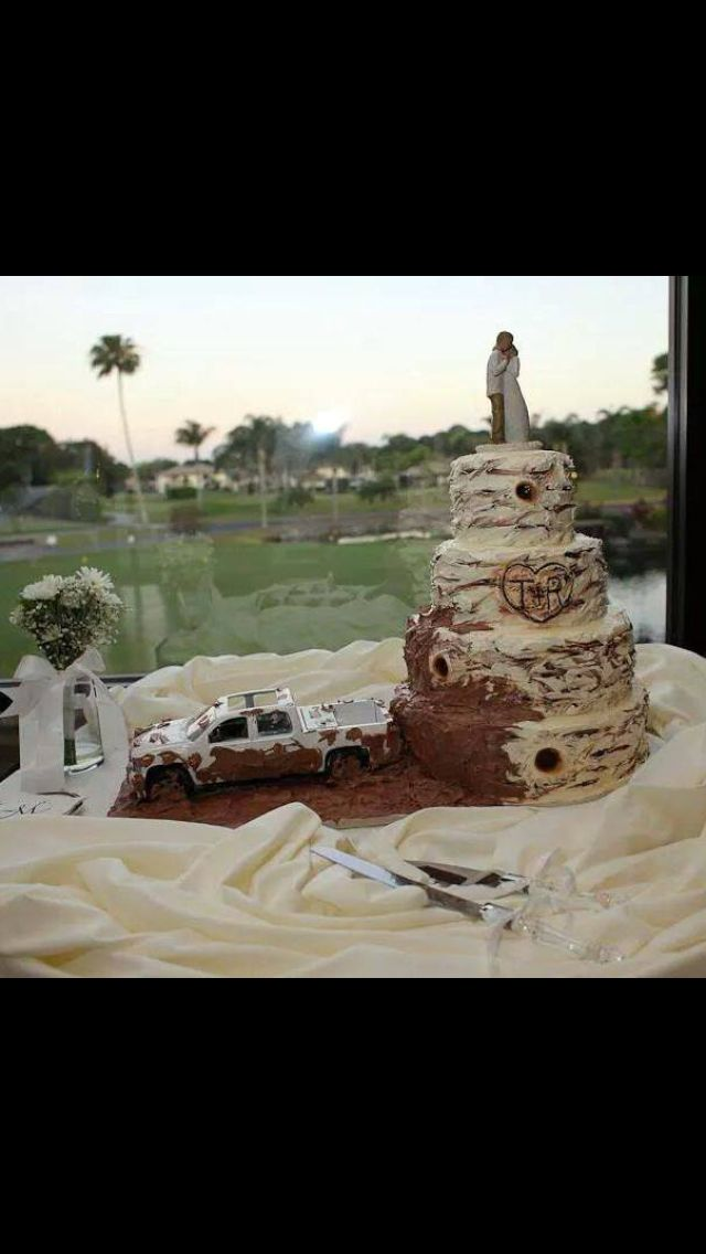 Country rustic mud wedding cakes
