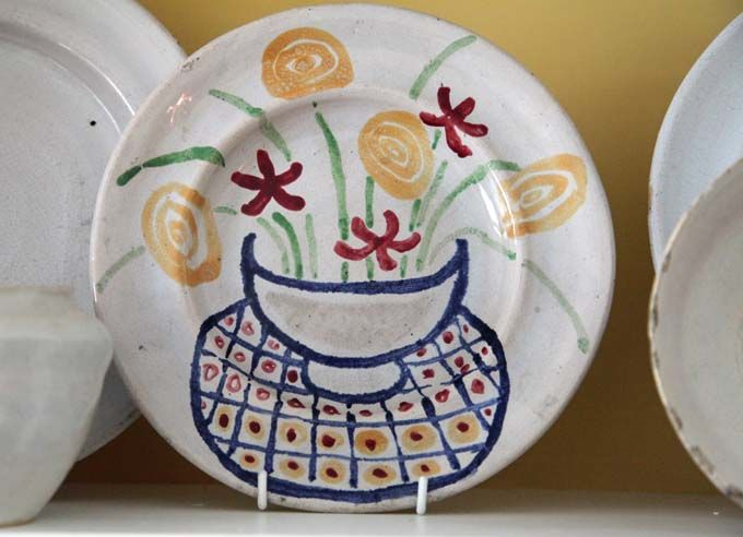 Omega Workshops plate decorated by Vanessa Bell 1914