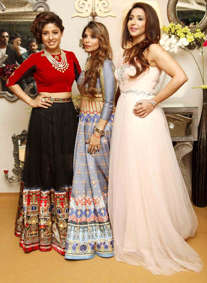 Sunidhi Chauhan, Falguni Peacock and Krishika Lulla at the media preview of a fashion show with designers Shane & Falguni Peacock. #Bollywood #Fashion #Style #Beauty