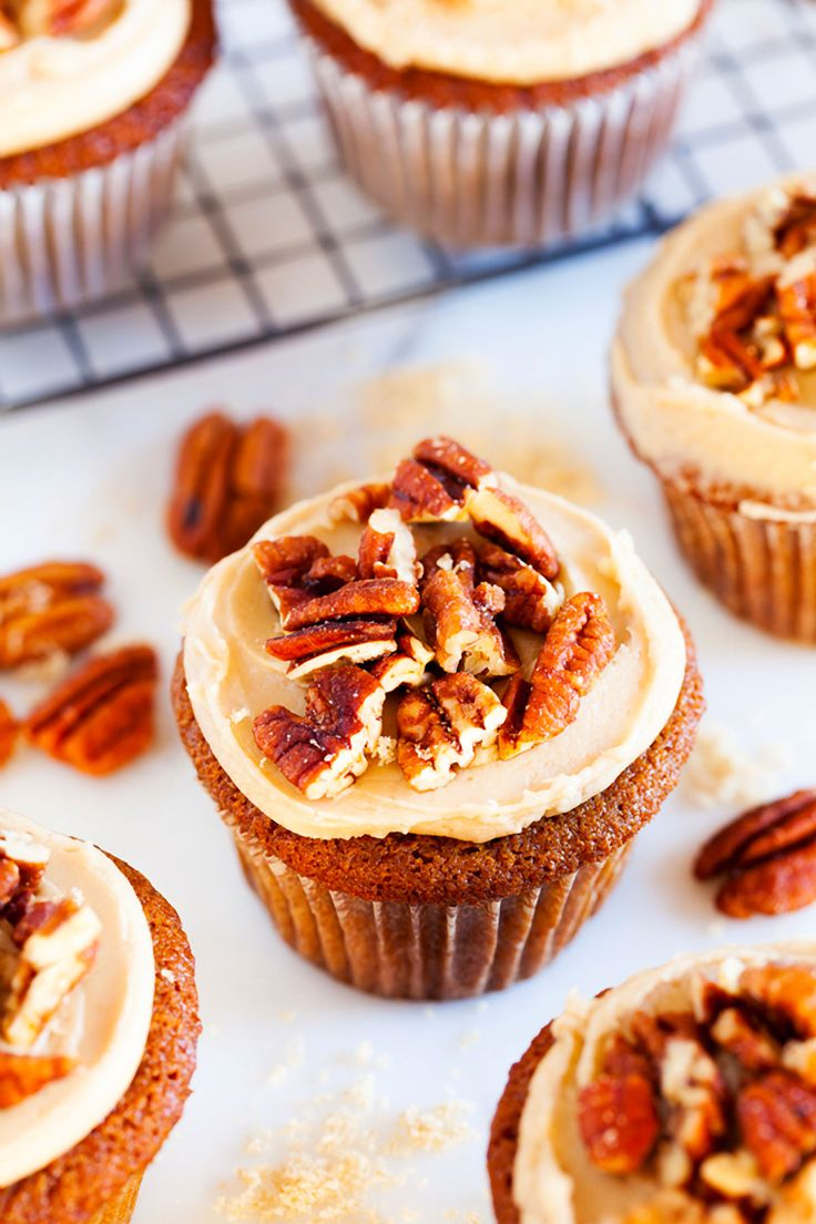 Sprinkles Brown Sugar Praline Cupcakes, directly from Candace Nelson, are incredibly moist, topped with a thick brown sugar frosting, and sprinkled with crunchy candied pecans! #cupcakerecipe