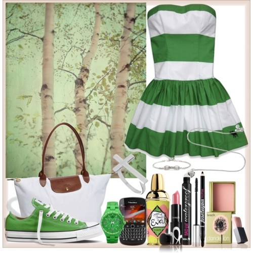 Dresses with converse :)