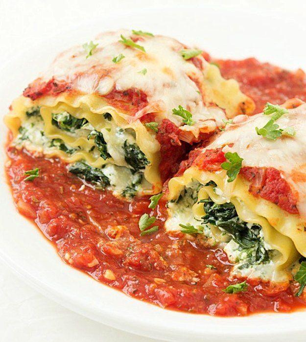 Spinach Lasagna Roll-Ups | Easy Vegetable Lasagna Recipes | https://homemaderecipes.com/easy-vegetable-lasagna-recipes/