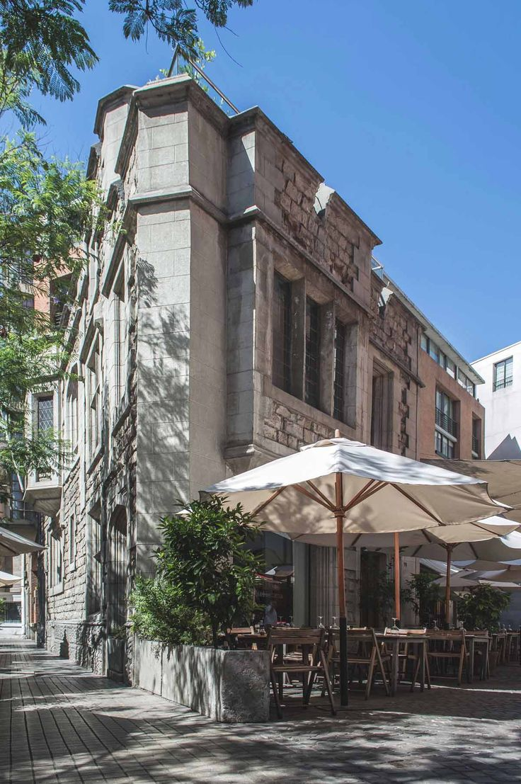 One of the many restaurants and cafes in barrio Lastarria, Santiago, Chile | heneedsfood.com