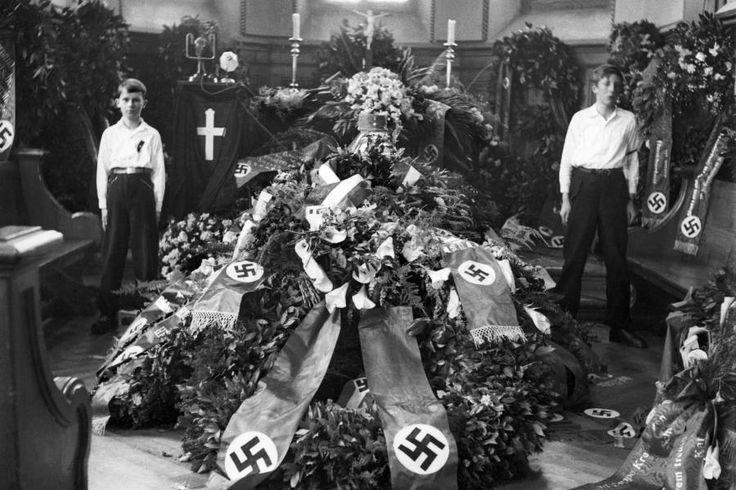 Das einzige Mal wo ein Jude den Mut aufbrachten einen Nazi zu töten: Das Attentat von David Frankfurter auf den Schweizer Nazi-Chef Wilhelm Gustloff in Davos ist fast vergessen. Ein neues Buch rekonstruiert den Prozess, der dem Täter 18 Jahre Haft eintrug.