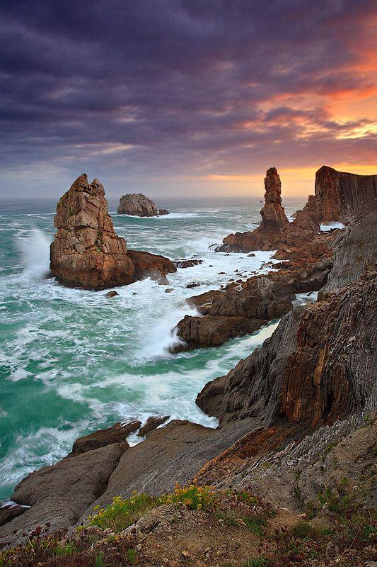 Furia de Gigantes--Costa Quebrada de Cantabria, Espana.