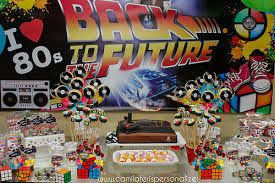 Resultado de imagem para decoração mesa festa anos 80