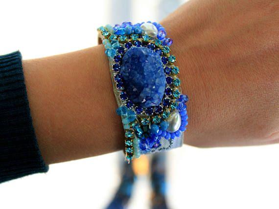 Браслет из голубого агата Друзи Агатовый браслет из манжеты Ювелирные изделия из горного хрусталя Boho Chic Этнические украшения Swarovski