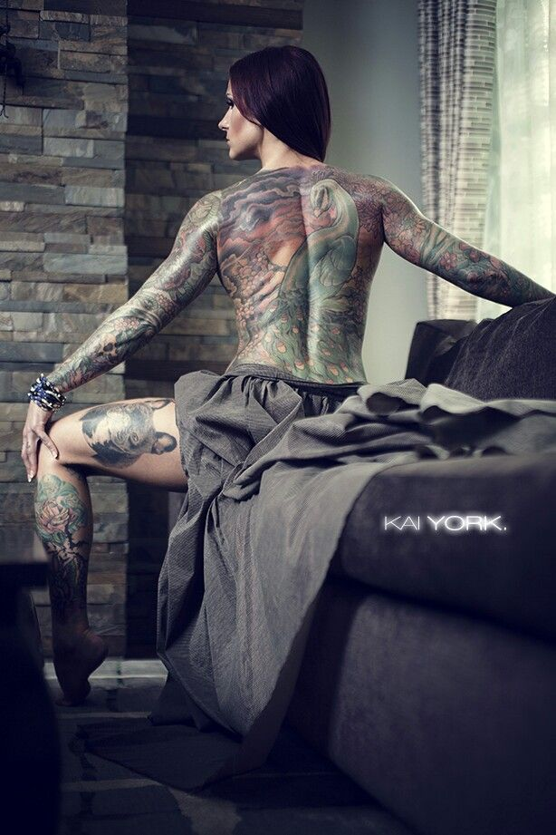 Amazing tattoo artist with a passion for weight training for Tattoo artist education courses