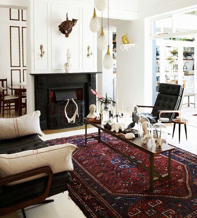 Cores    Verdadeiras obras primas, os  tapetes belgas são característicos   por seus tons variados. Os mais comuns são os amarronzados, os vermelhos e azuis - compondo formas e desenhos lindos de viver!