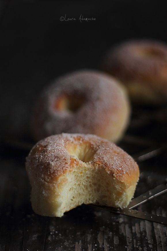 Gogosi Pufoase la Cuptor Romanian donuts baked in the oven. These would be great with nutella in the center