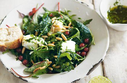 Sommerliche Blattsalate mit Ricotta - Schrot und Korn - Das Kundenmagazin für den Naturkosthandel