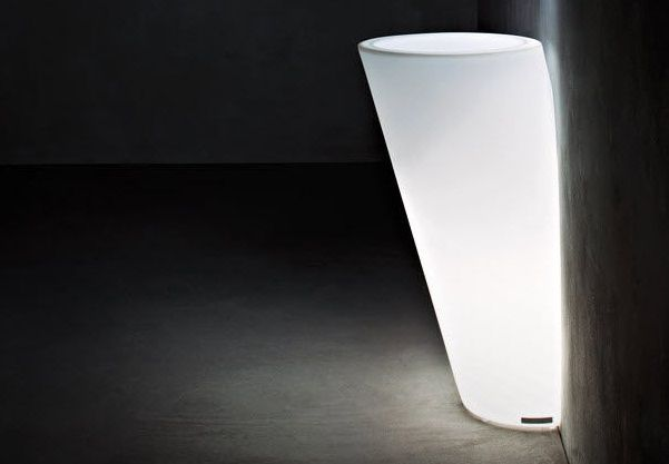 Pot Au Mur Outdoor Pot with Light by Serralunga. This pot can be fitted to the wall, should you wish to use the wall as a support or visually furnish the wall space.