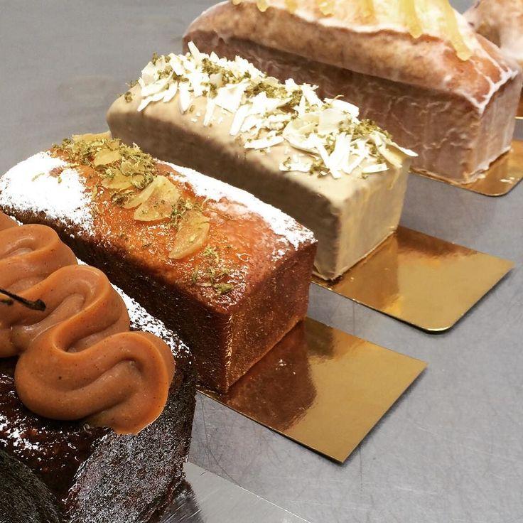 Были у нас ещё кексы и медовики в стилях неоклассицизм и ардеко . Картинок нет но говорят очень вкусно было А ещё были шоколадные и фисташковые их тоже не успела снять. #конфеты #кондитерские курсы #pastry #patisserie  #pastrylife #chocolat #chocolate  #chocolates  #valrhona #israeli_kitchen  #dessertlover  #boulangerie #bakery #macarons  #entremet  #cake #foodporn  #foodies #סדנאות  #קונדיטוריה #pastry_inspiration  #мастеркласс  #dessert  #dessertmasters  #chefstalk  #gateau by…